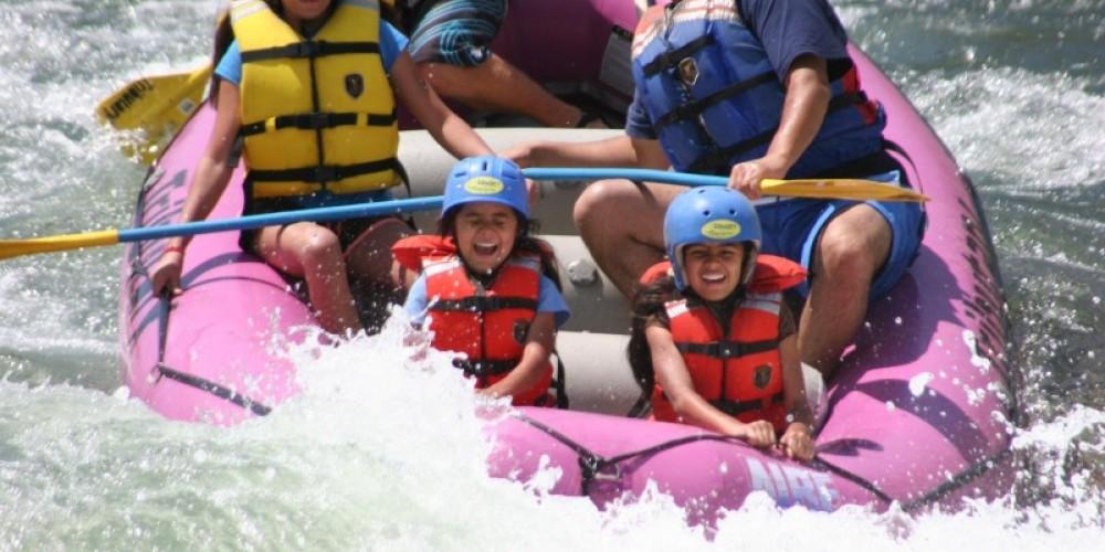 Whitewater rafting on the Truckee River near lake tahoe & Reno – www.truckeeriverphotos.com