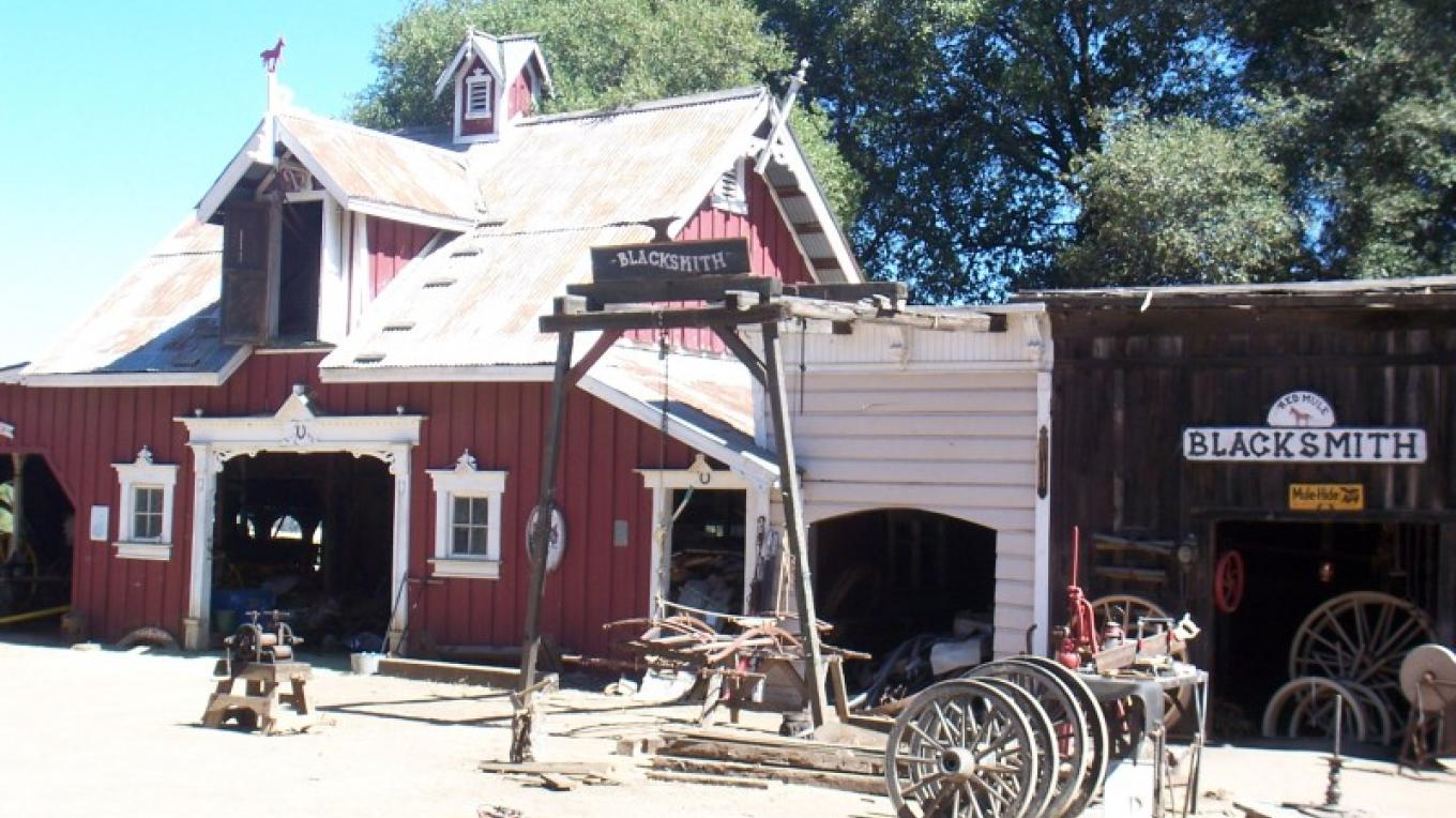 Blacksmith Shop at Red Mule Ranch – Tom Scofield