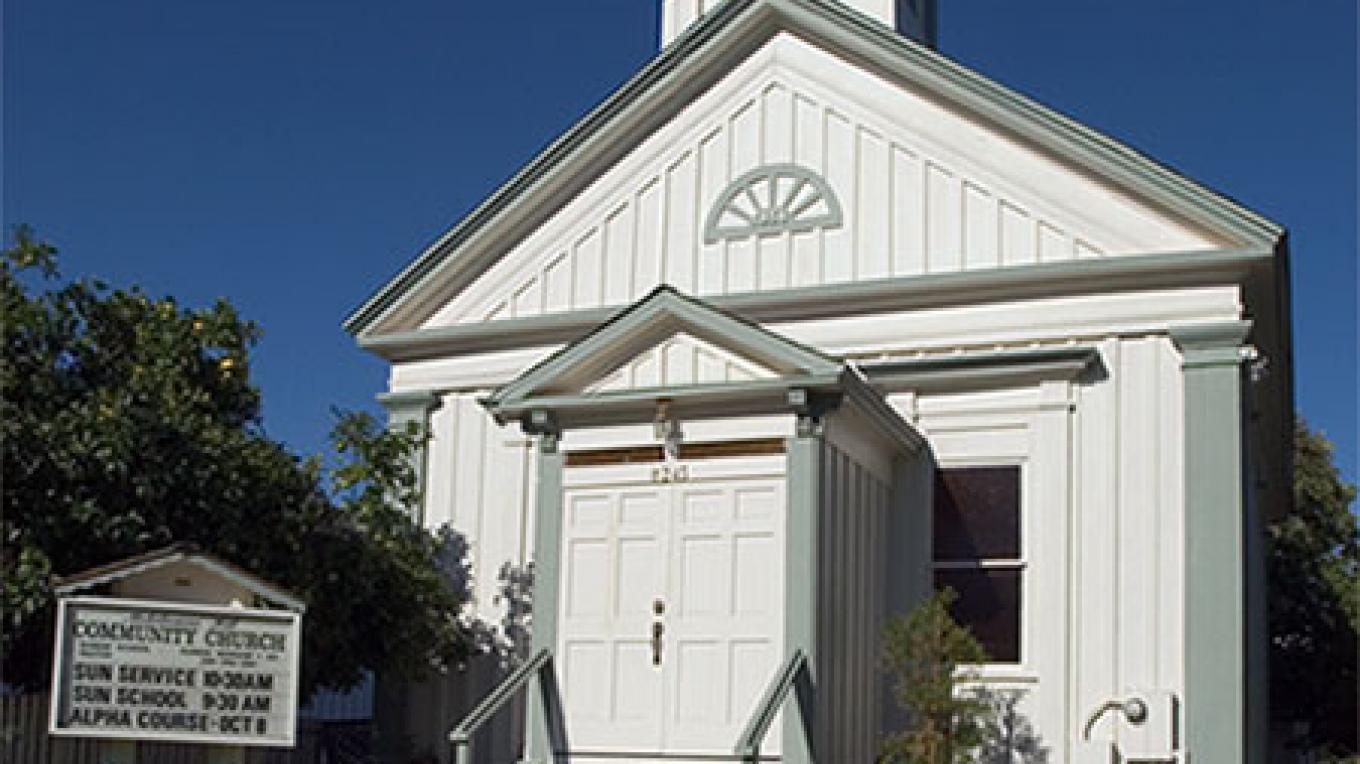 Photo of the Congregational Church in Mokelumne Hill from NoeHill Travels California – Courtesy of NoeHill Travels California (noehill.com)