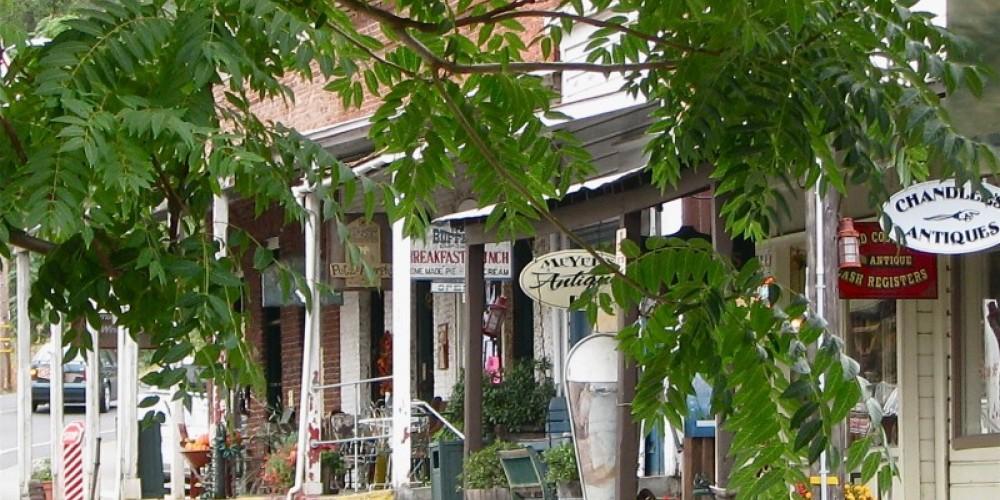 The scene looking toward The Kitchen Shop is wonderful! – Karrie Lindsay