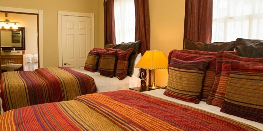 Opi's Room at the Victoria Inn in Murphys, California: http://www.victoriainn-murphys.com – Digimanstudios.com