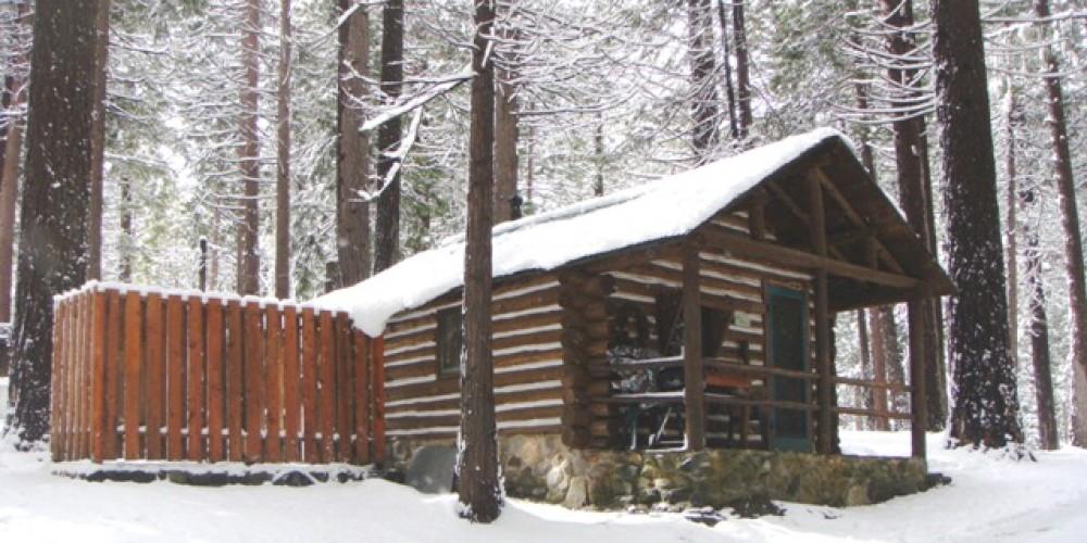 Pine Cabin in winter – R. Hertzberg