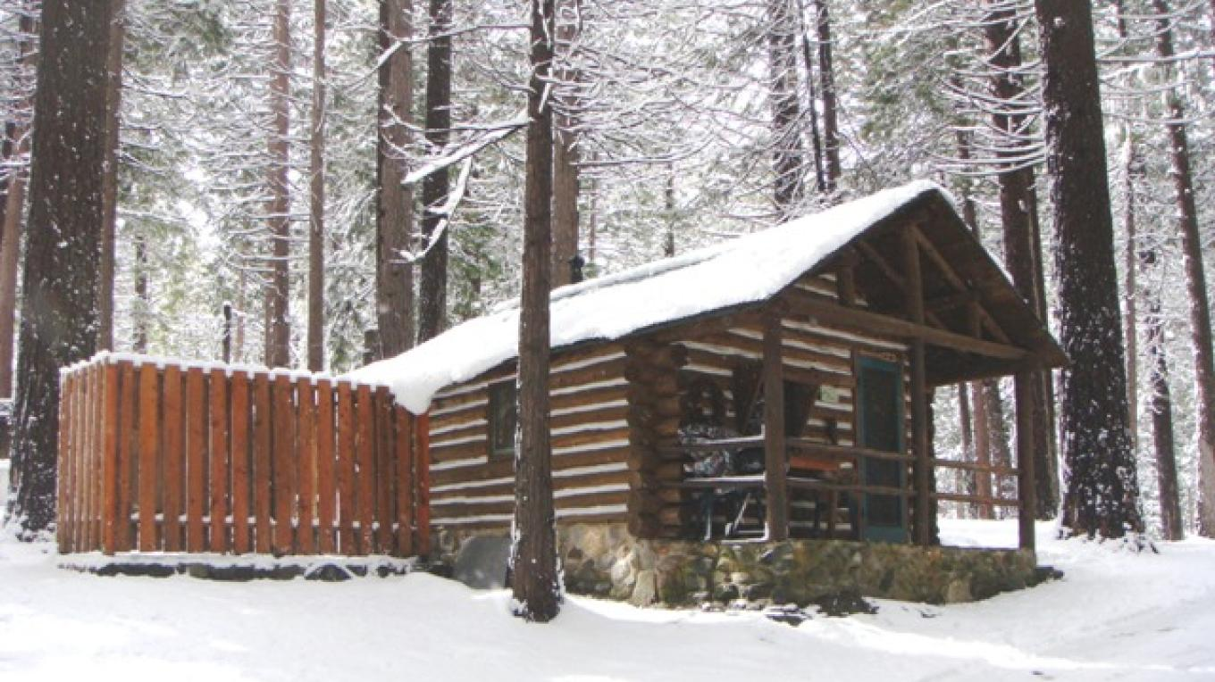 Pine Cabin in winter – R. Hertzberg