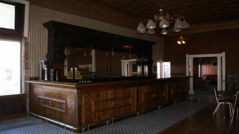 The J. E. Niles Room Bar – Lorissa Soriano