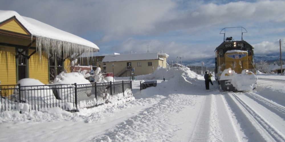 Back of Truckee California Welcome Center - train tracks in winter – Truckee Donner Chamber of Commerce