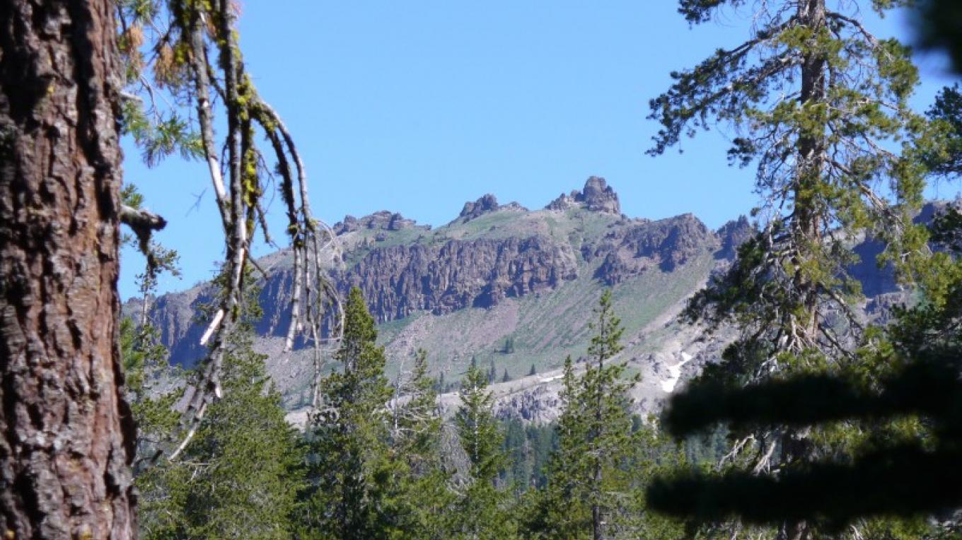 Castle Peak from PCT 1 access – John Eaton