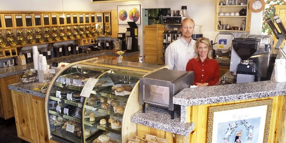 Christian & Megan Waskiewicz – Alpen Sierra Coffee Roasting Co.