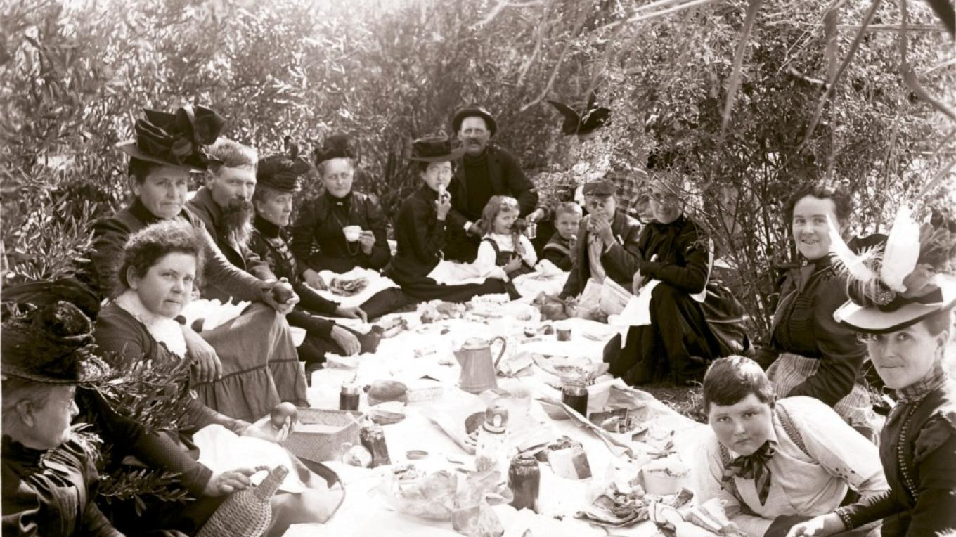 This photo of a stylish picnic in the Owens Valley at the start of the 20th century is part of the Eastern California Museum\'s archive of 27,000 photos.