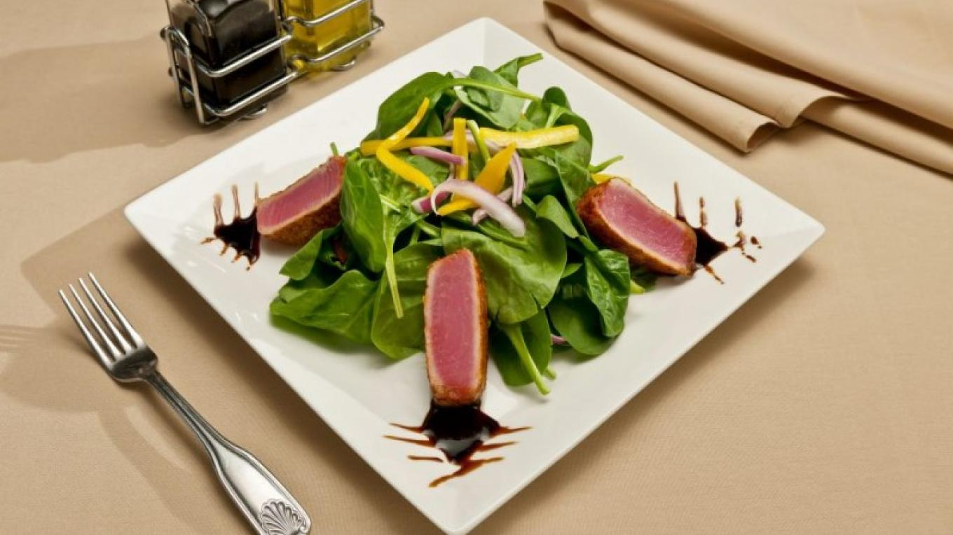 The resort's Echo Lounge serves fresh, California Casual Cuisine daily. – Lake Tahoe Resort Hotel