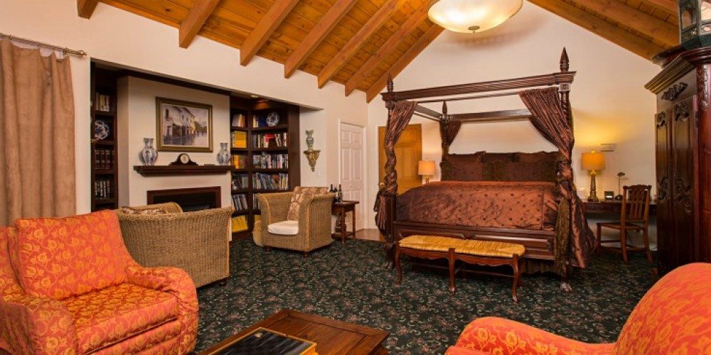 The Eucalyptus Suite at the Victoria Inn in Murphys, California: http://www.victoriainn-murphys.com – Digimanstudios.com