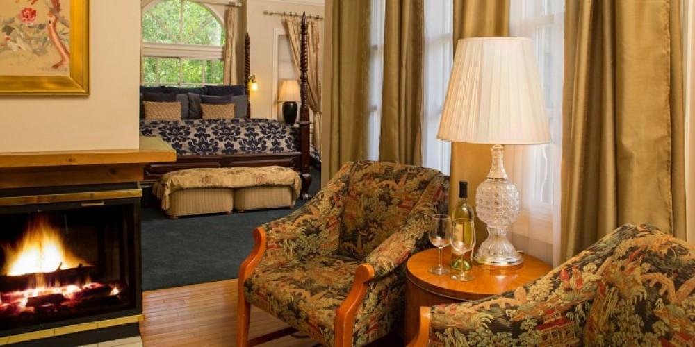 The Anniversary Suite at the Victoria Inn in Murphys, California: http://www.victoriainn-murphys.com – Digimanstudios.com