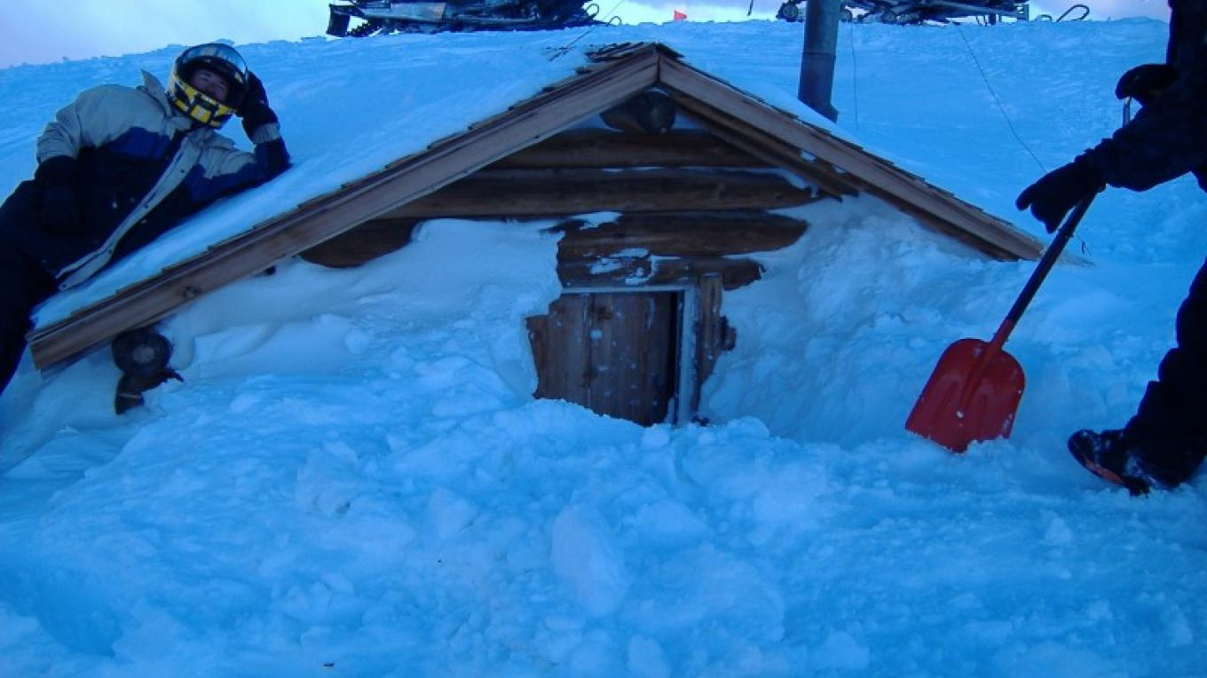 Bald Mtn. Log Cabin Warming Hut – DJ's Snowmobile Adventures, Inc.