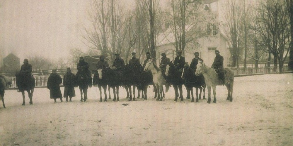 Posse leaving to retrieve massacre victims from Little High Rock Feb 1911 – unknown