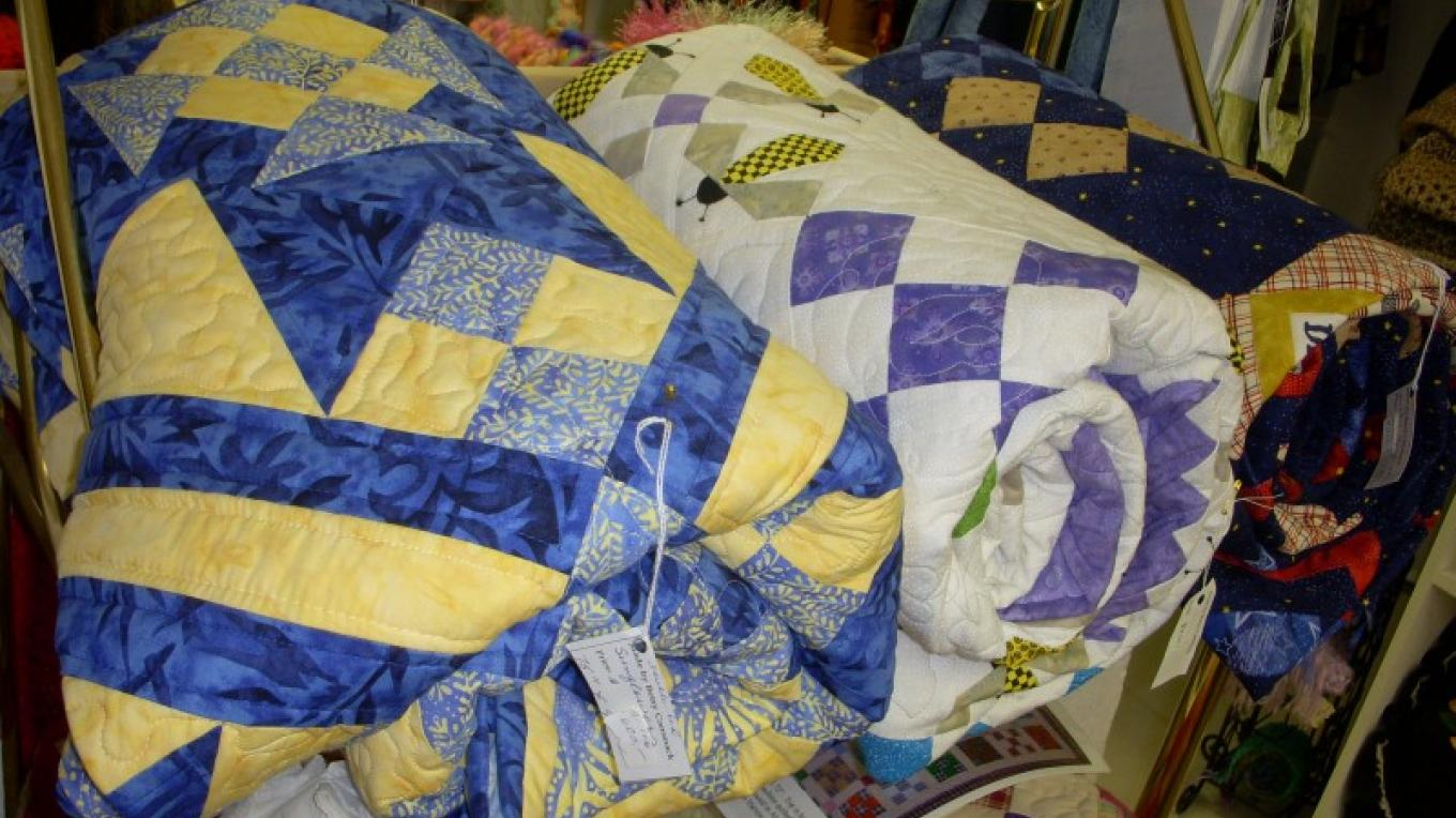 Bed-size quilts in a variety of patterns – Pat Lawrence