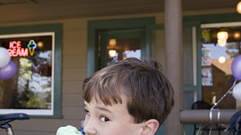 Pur famous Ice Cream Parlor – Camp Richardson Resort