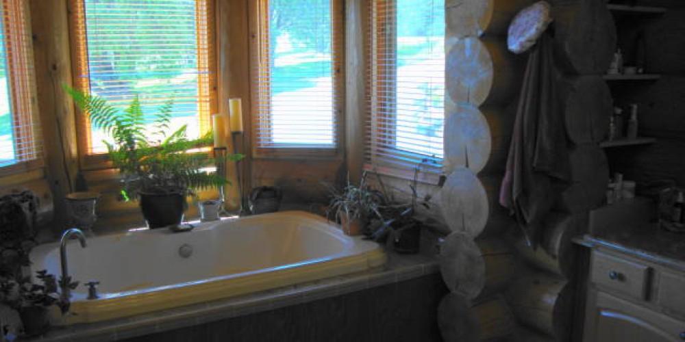 Spa tub main floor master bedroom main house – CK Martin