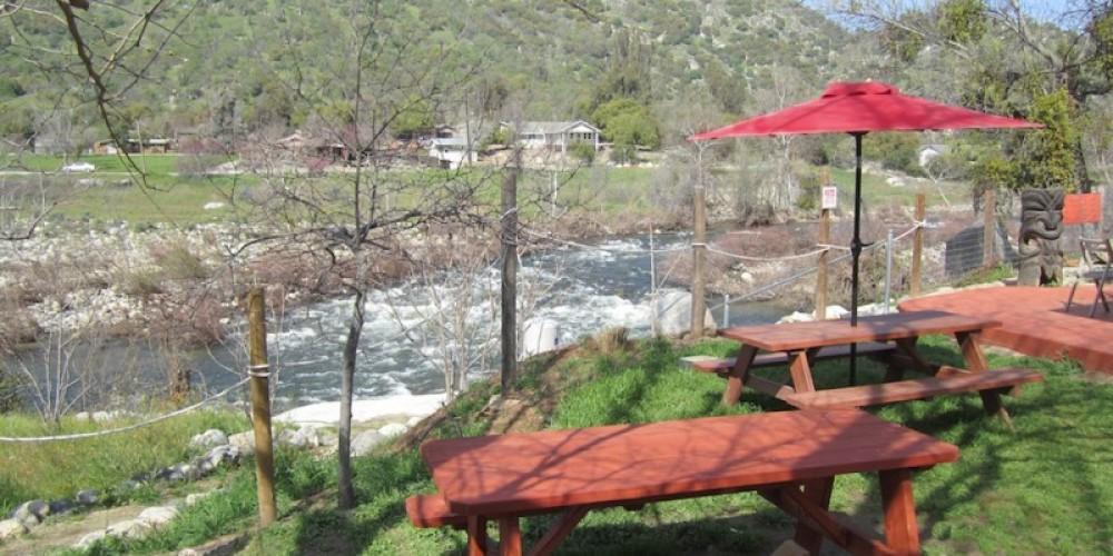 Riverside dining! – Dane Millner