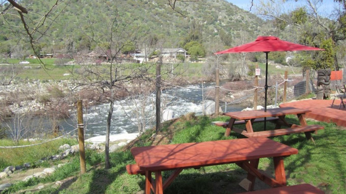 Riverside dining! – Dane Millner