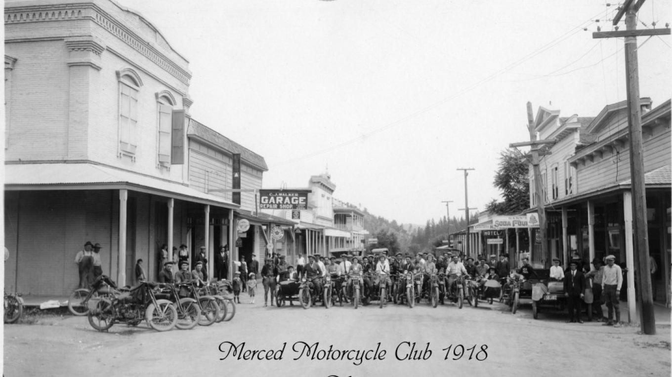 Merced Motor Cycle Club in Mariposa 1918 Walker Photograph/Charles Phillips Collection – Walker