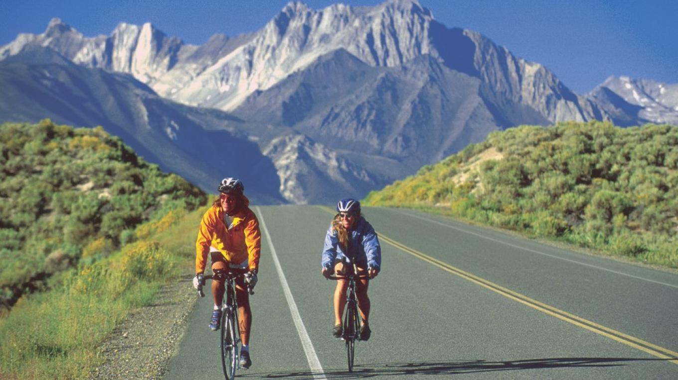 Road bikers with Mount Morrison in the back ground – Londie Paldesky