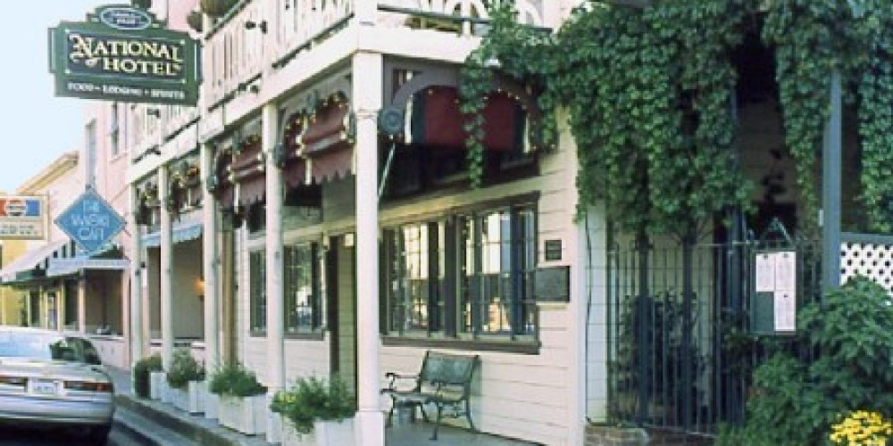 National Hotel is one of the oldest continuously operating hotels in California – Realadventures.com
