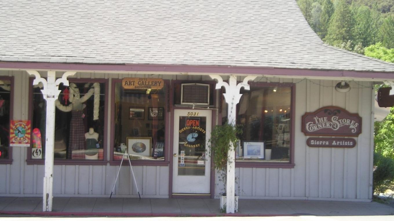 Street view of Sierra Artists Gallery