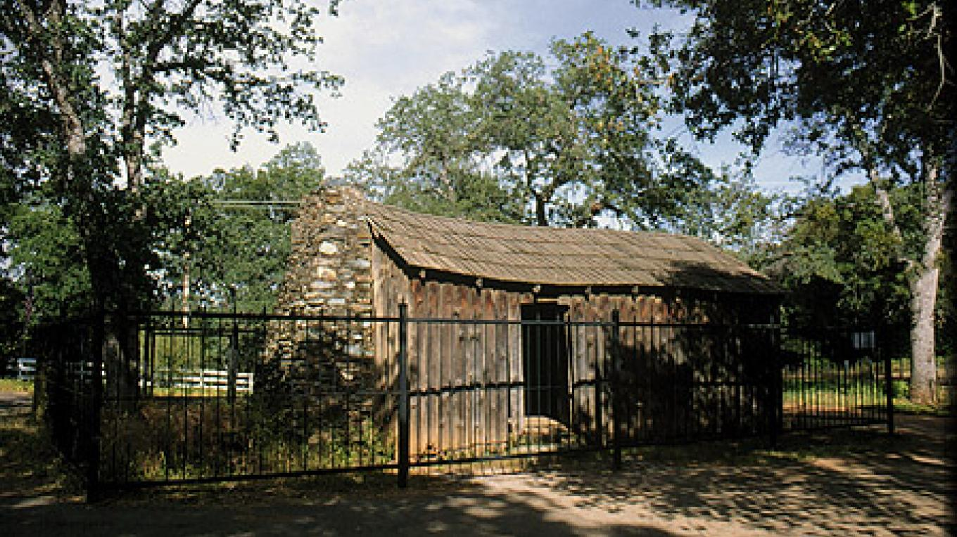 "Replica of the cabin where Mark Twain spent the winter and wrote ""The Celebrated Jumping Frog of Calaveras County."" – Noehill.com"