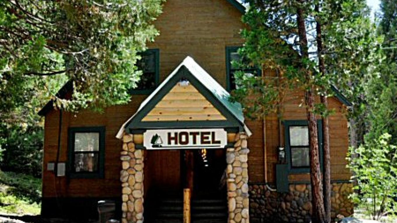 Shaver Lake Village Hotel