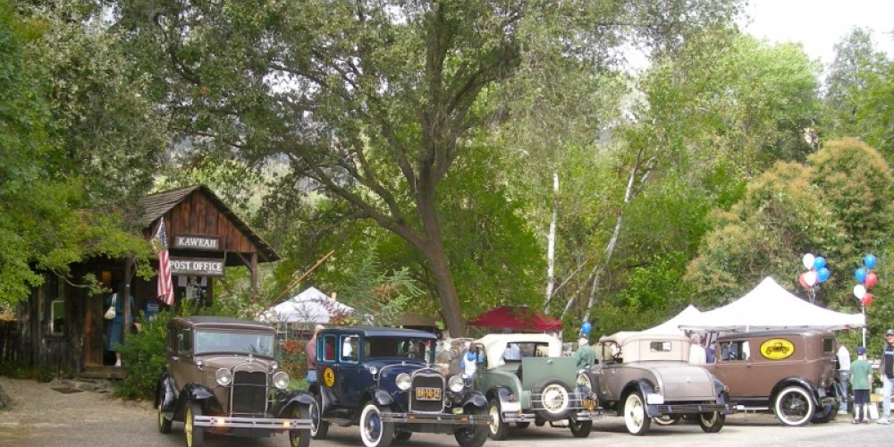 Charter Oak's A's Model A Club arrive for a picnic lunch to celebrate at our 100 year party – CJS