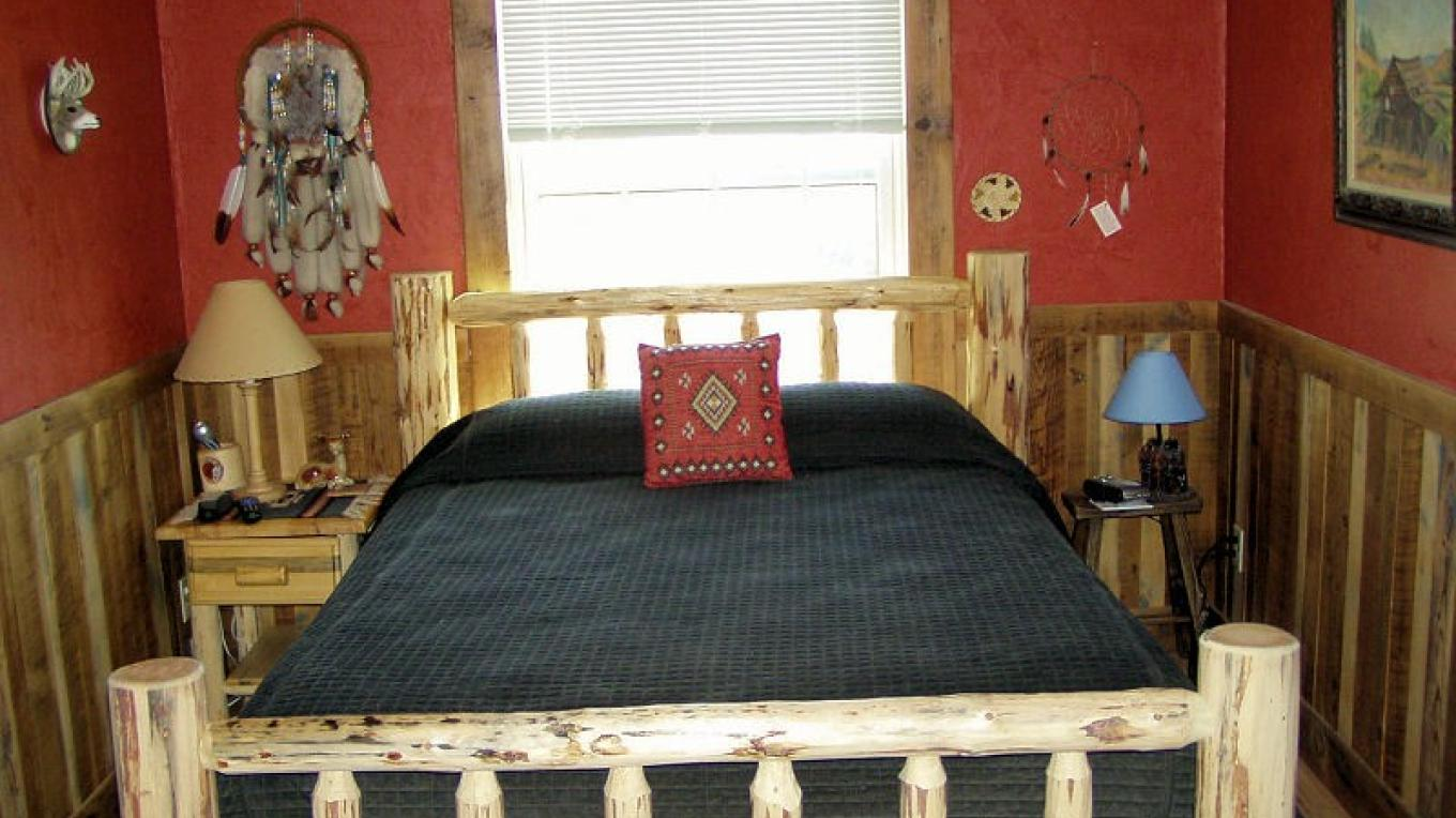 You will sleep comfortably in the cozy bedrooms at Lyn-Mar Pond Guest Ranch.