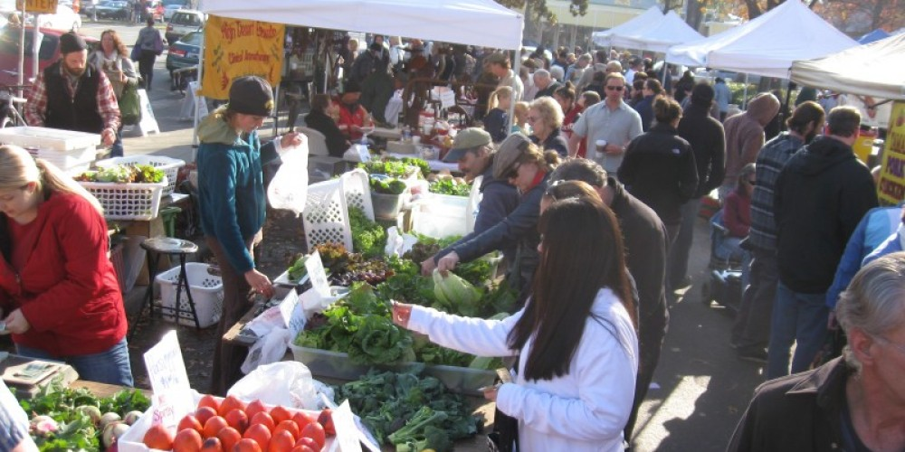 The market takes place at the North Valley Plaza Mall parking lot at Pillsbury Road adjacent to Trader Joe's. – www.chicofarmersmarket.com