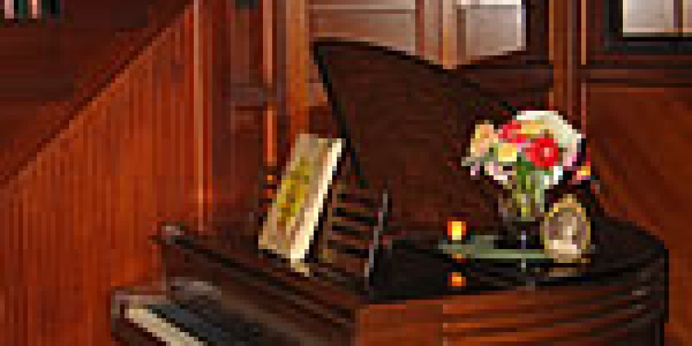 1937 Wurlitzer Butterfly Grand Piano – Wicky Up Ranch