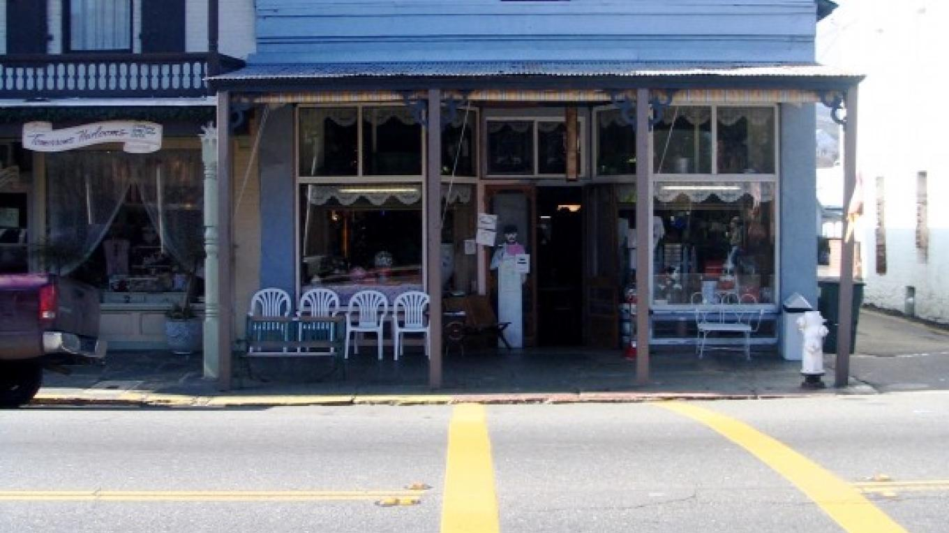Front of the store from Historic Highway 49. – Stevens Price