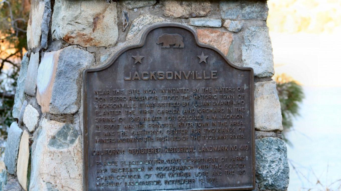 Historic marker at the vista describes the town of Jacksonville. – Carol Russell