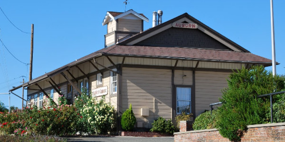 This depot was built in 1865 and is the last in a series of four built at the East Auburn Location. – John Knox