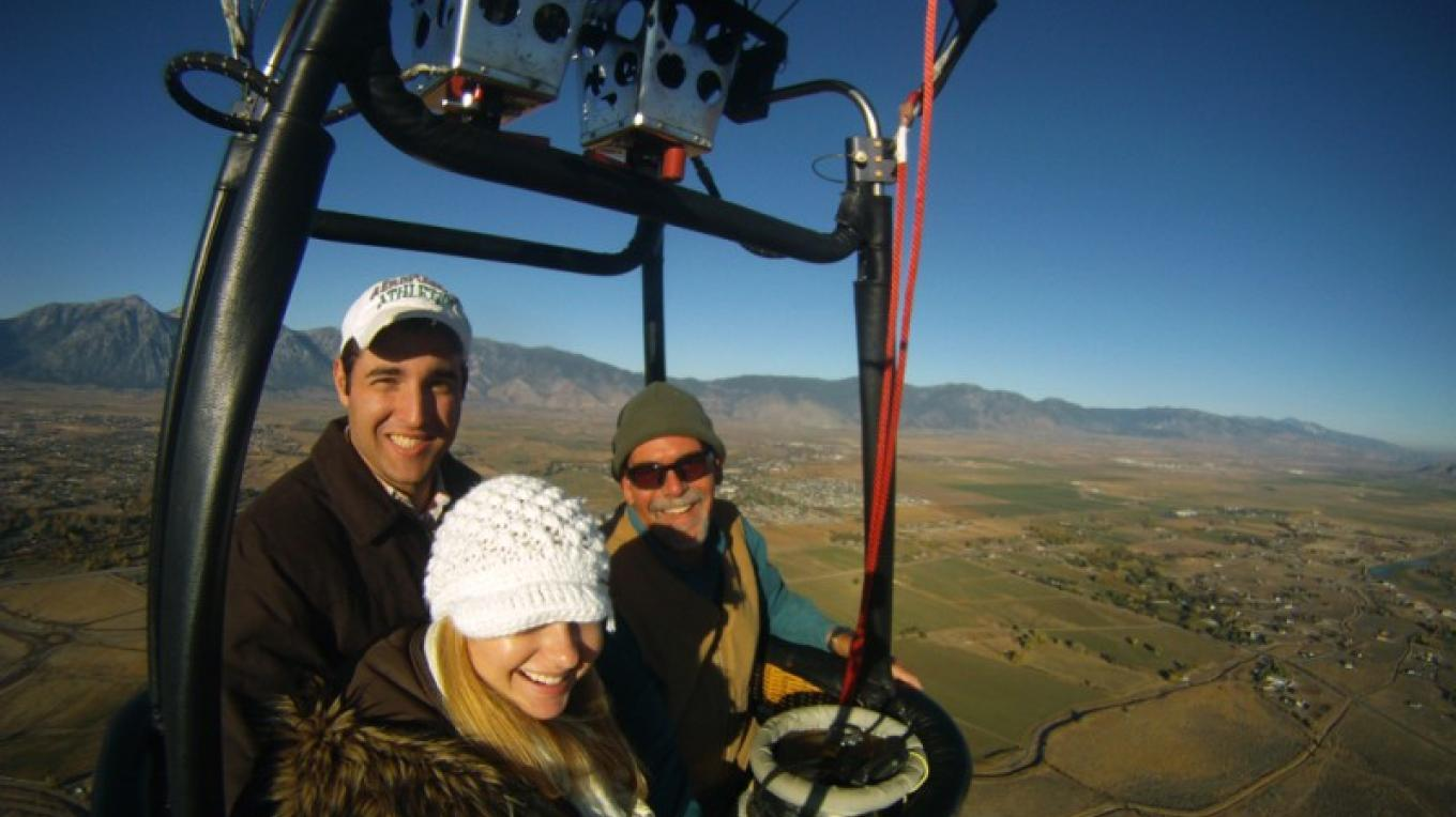 Private flights for just the two of you. That's what Balloon Nevada specializes in.