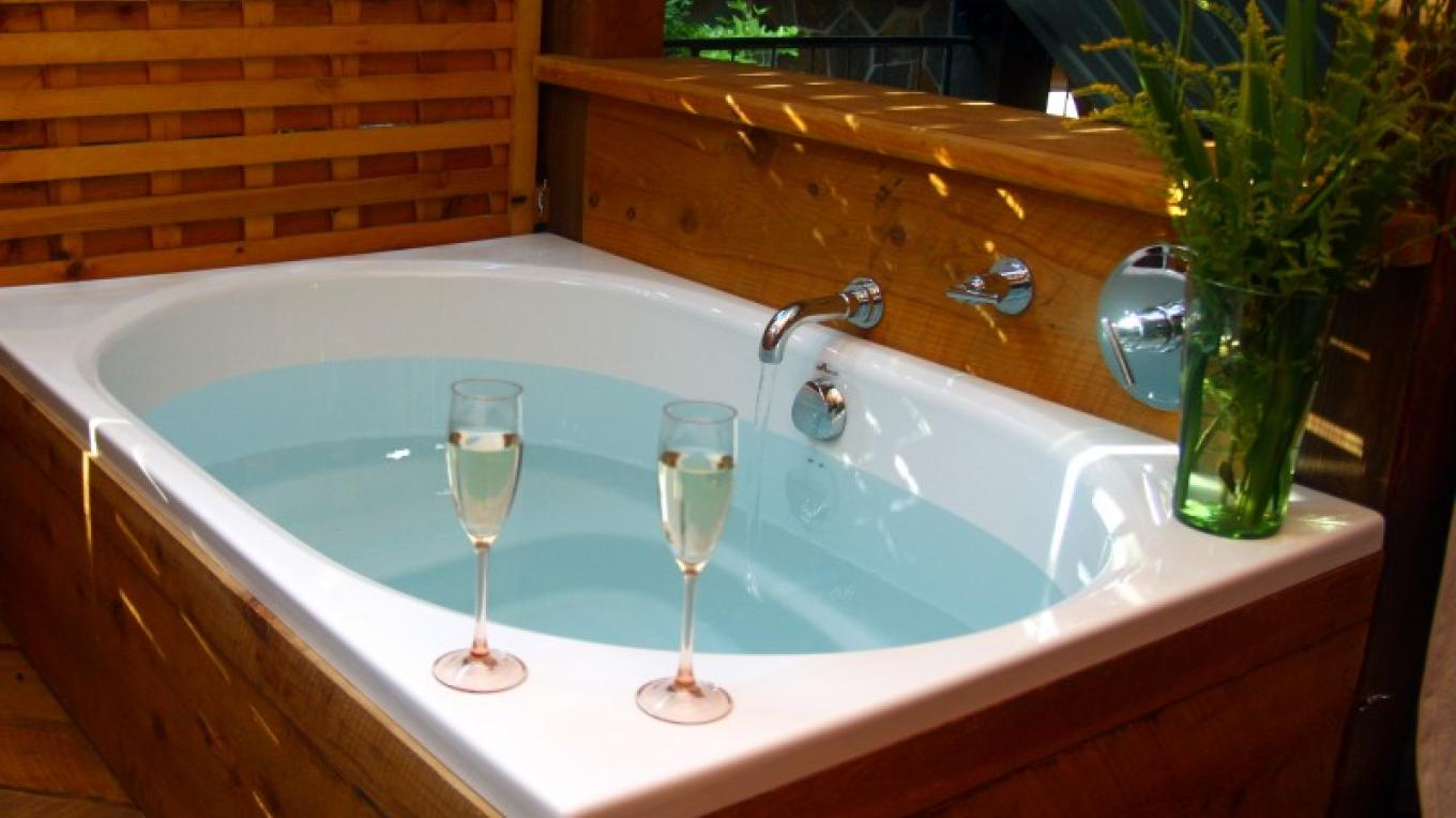 Spa Tub – Carolyn LaPorte