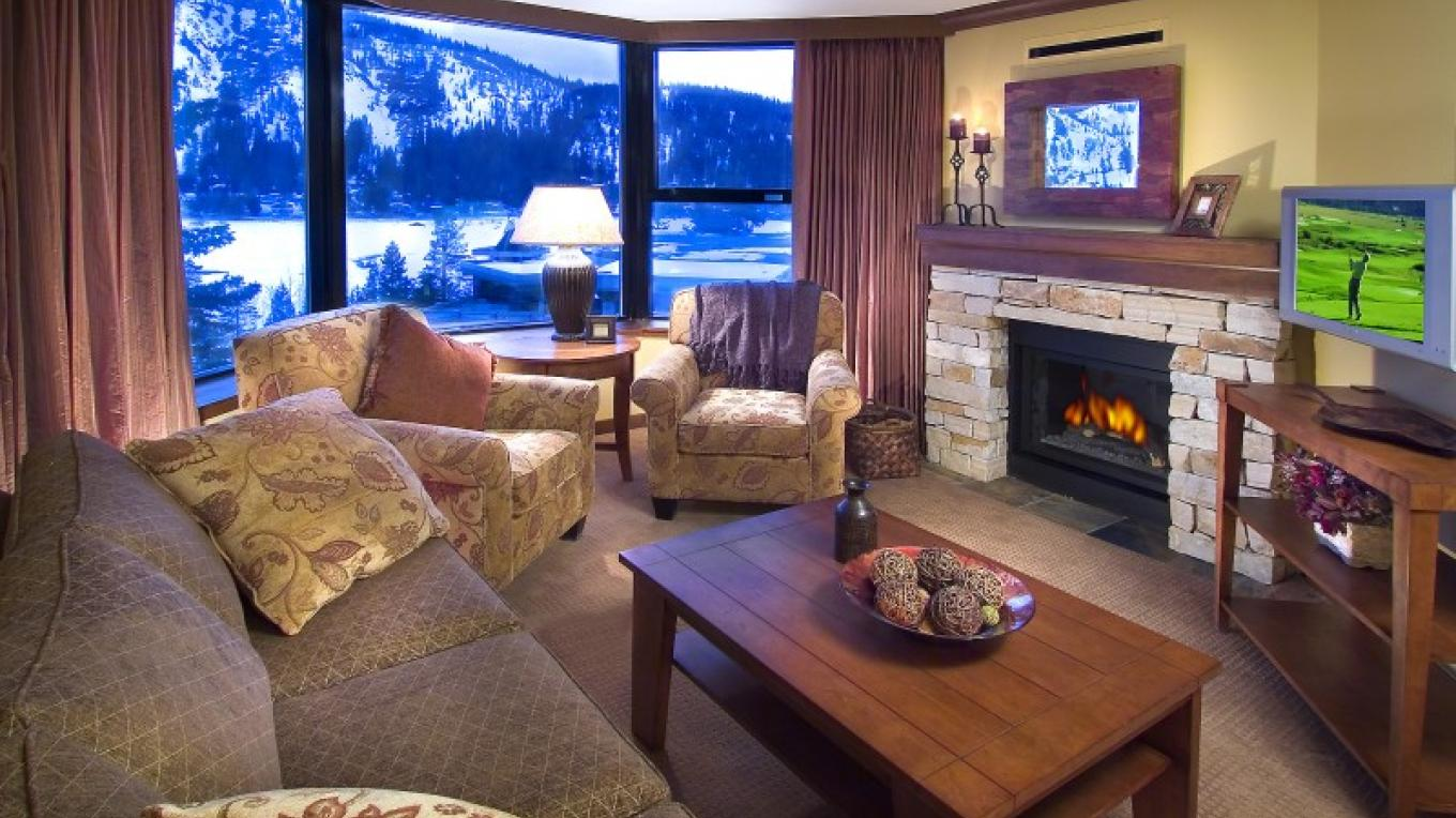 Deluxe Fireplace Suite.
