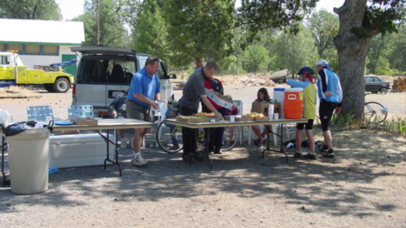 Rest stop on the Fall River Century route – Sharlotte Jensen