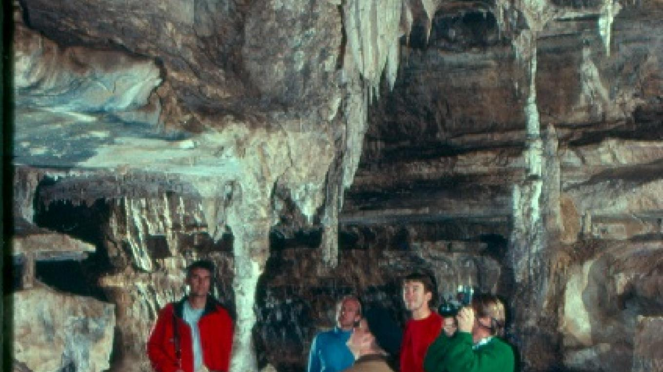 Visitors explore the cave with an experienced naturalist. – Photo provided by the Sequoia Natural History Association