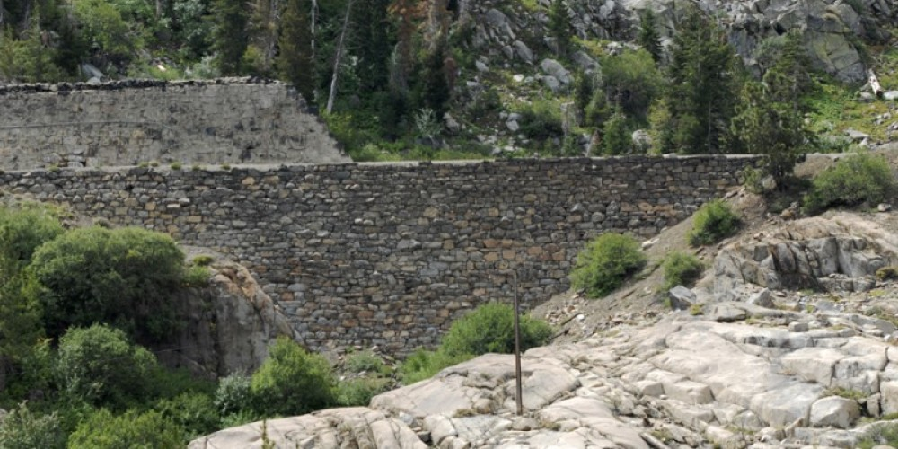 China Wall on Donner Summit – Bill Oudegeest