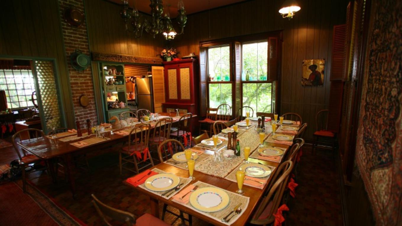 dining room – Lindsay Way