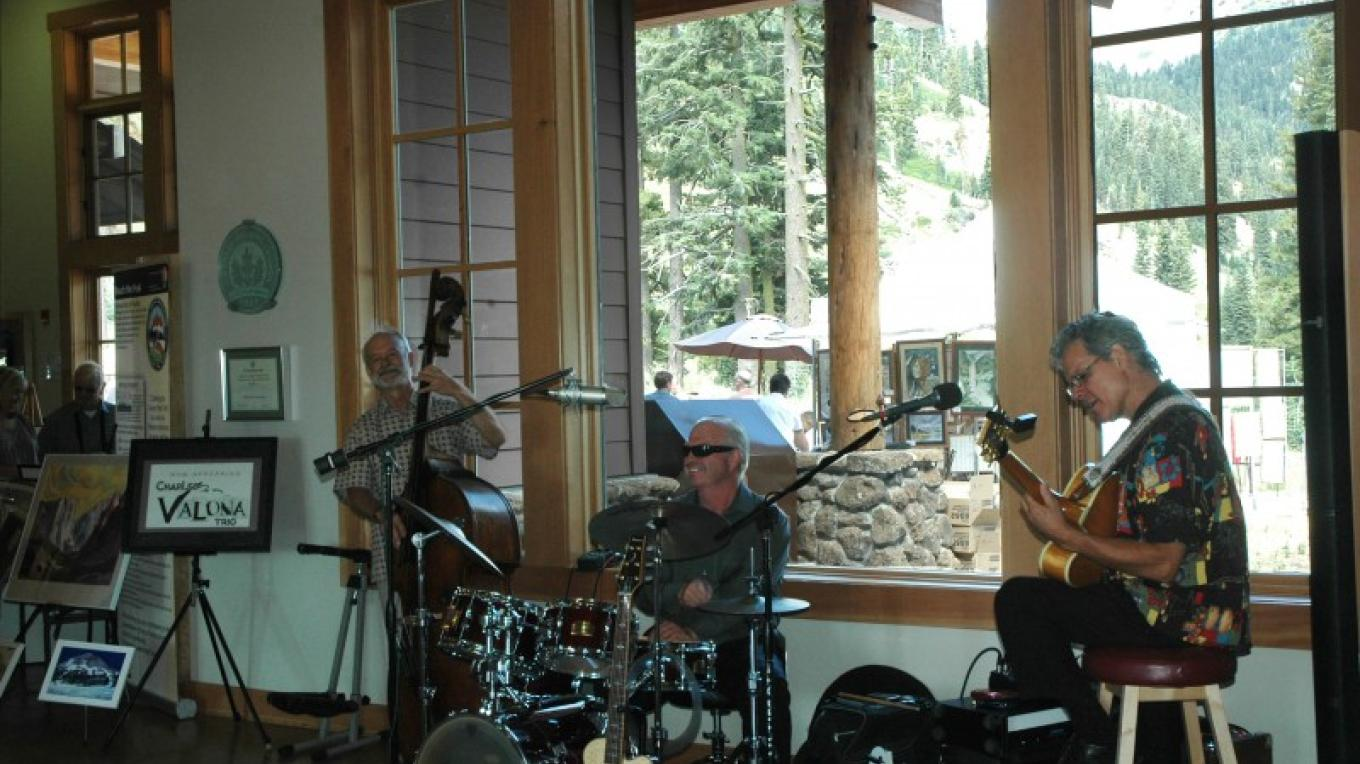 Redding's Charles Valona Trio jazzes up the visitor center – NPS Photo