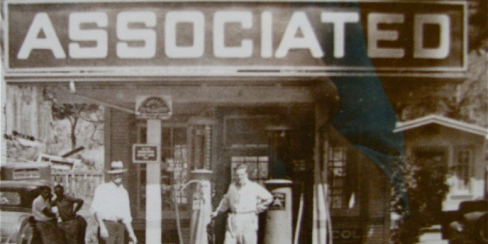 The Associated Gas Station was a hub of activity during the 'modernization' of town. – Amador City Archives/Karrie Lidsay