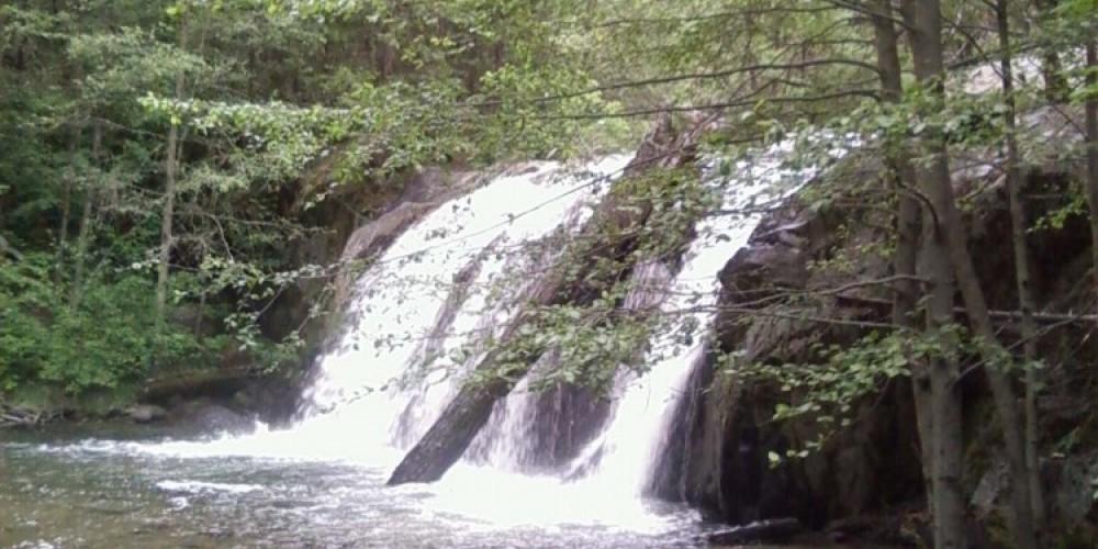 Red Rock Falls – Maureen Walling
