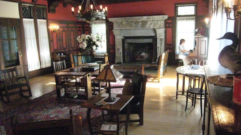 living room – Susan Grove