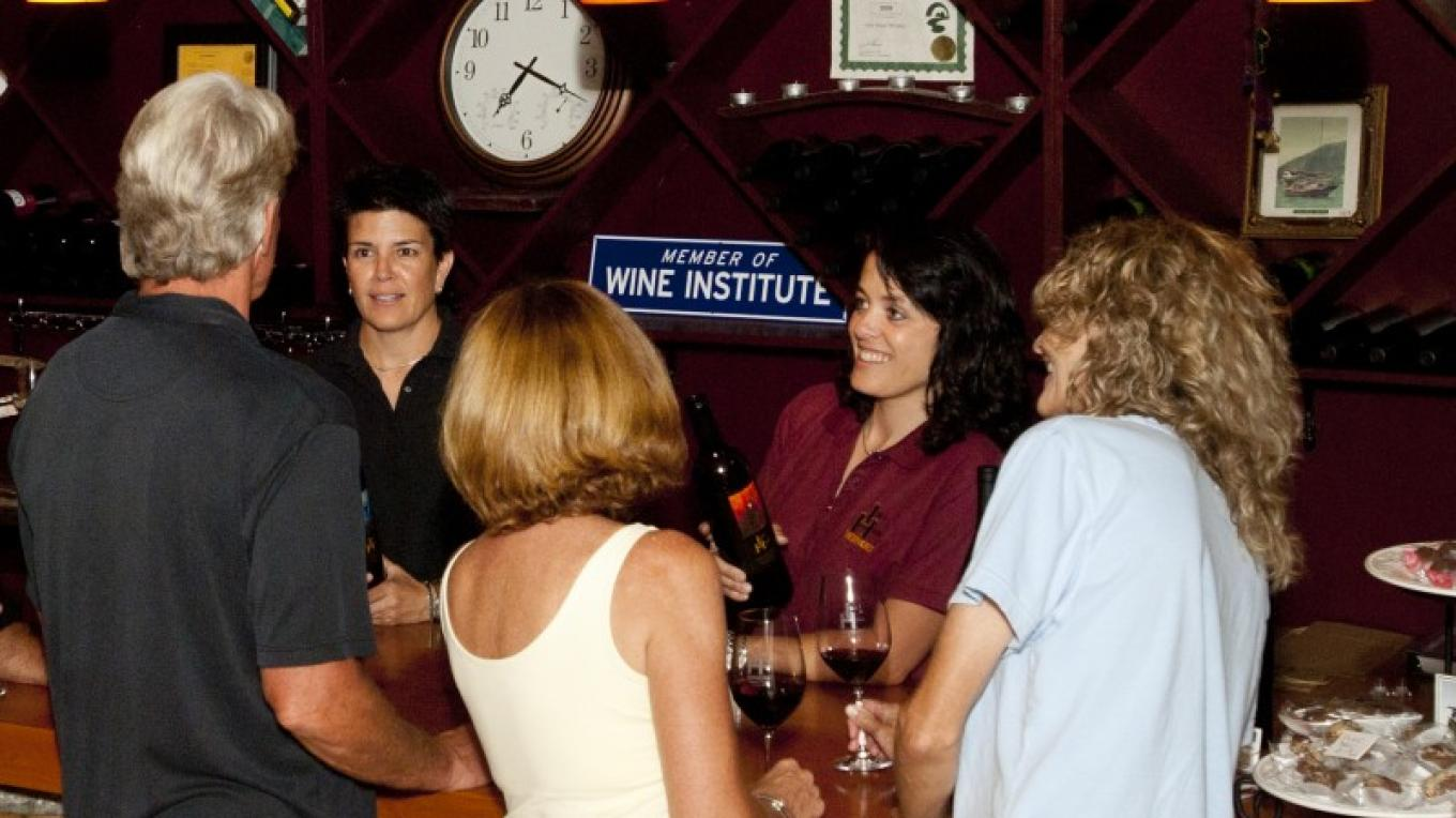 Wine Tasting at the Idle Hour – Rikki Alley