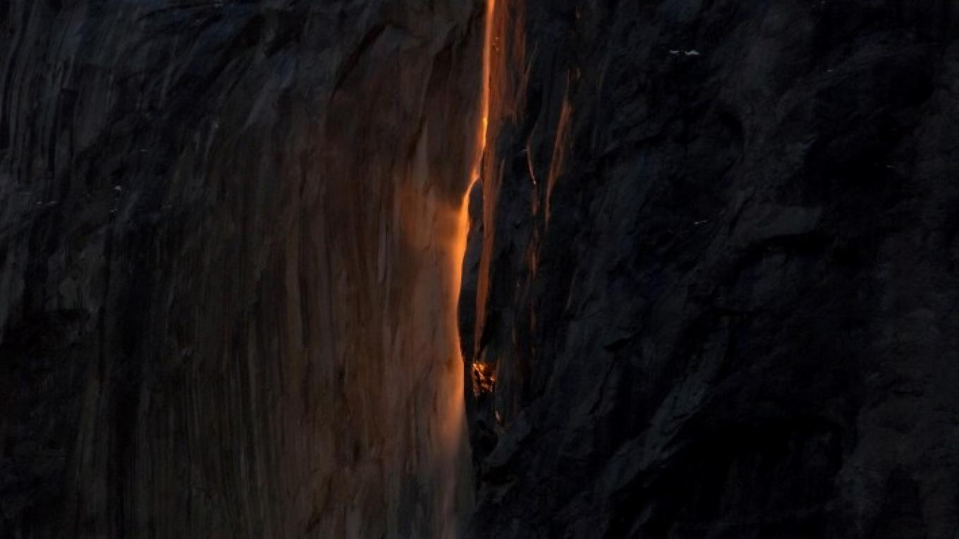 Horsetail Falls natural fire fall, Yosemite – Charles Phillips