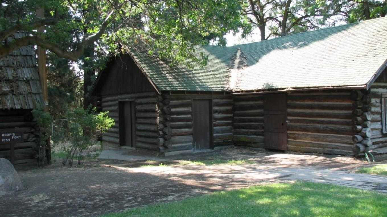 Roop's Fort and log building built to house original museum, now empty. – lhansen