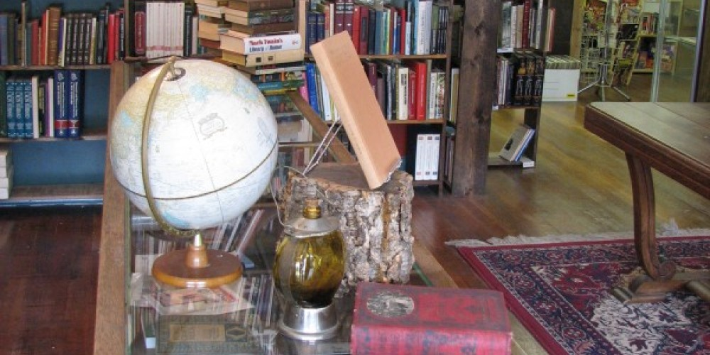 MORE OLD BOOKS AND COLLECTIBLES. – LINDA HEIN